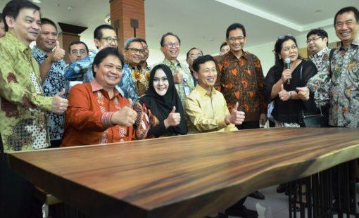 indonesia-singapura resmikan-politeknik-industri-furnitur-dan-pengolahan-kayu-kendal